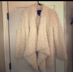 Ivory Fuzzy Coat szMed